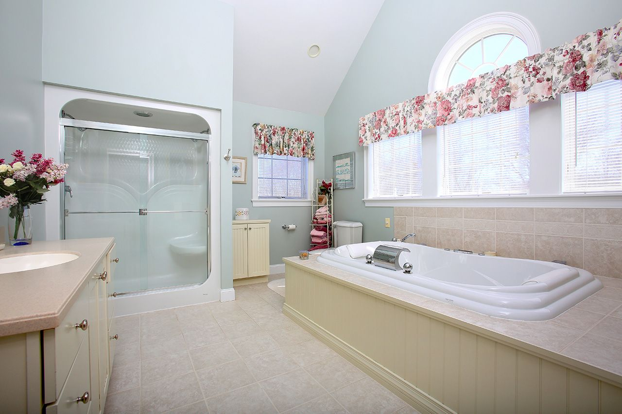 Additional photo for property listing at 6 Wildpepper Lane  South Dartmouth, Massachusetts,02478 Amerika Birleşik Devletleri