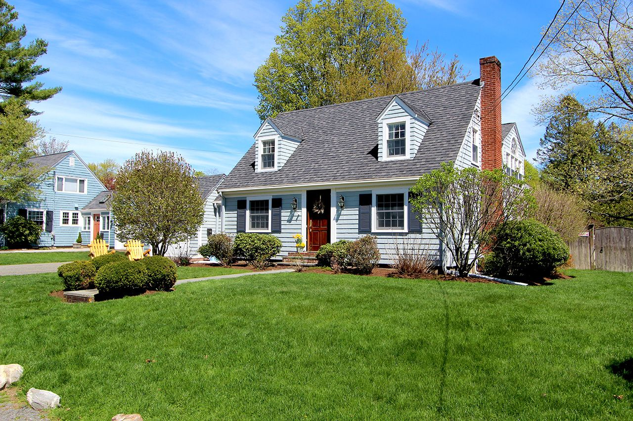 Single Family Home for Sale at Oceanside Drive Beverly Cove 3 Oceanside Beverly, Massachusetts,01915 United States
