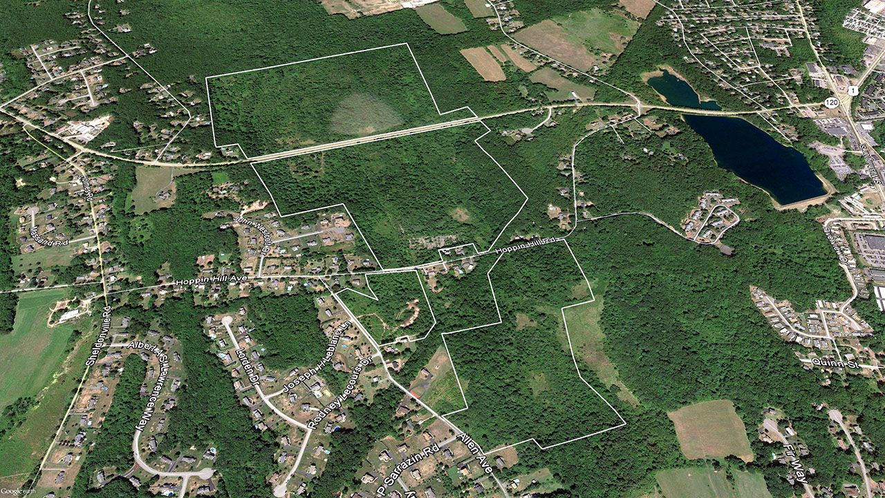 Moradia para Venda às North Attleborough Development Opportunity 0 Hickory North Attleboro, Massachusetts,02760 Estados Unidos