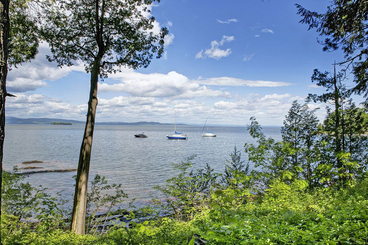 Single Family Home for Sale at South Cove 147 Cove Burlington, Vermont,05401 United States