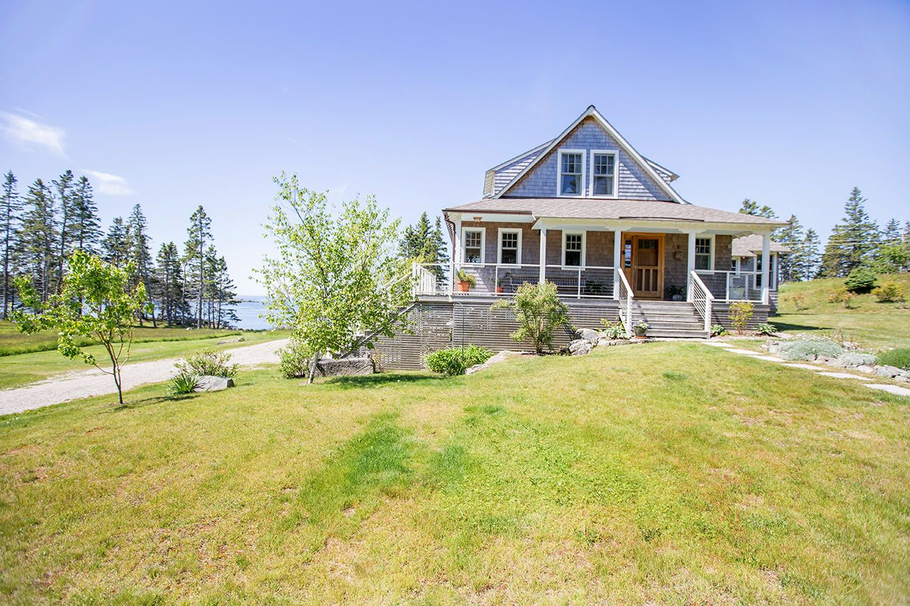 Casa Unifamiliar por un Venta en Leadbetter Narrows 319 Crockett's River Vinalhaven, Maine,04863 Estados Unidos