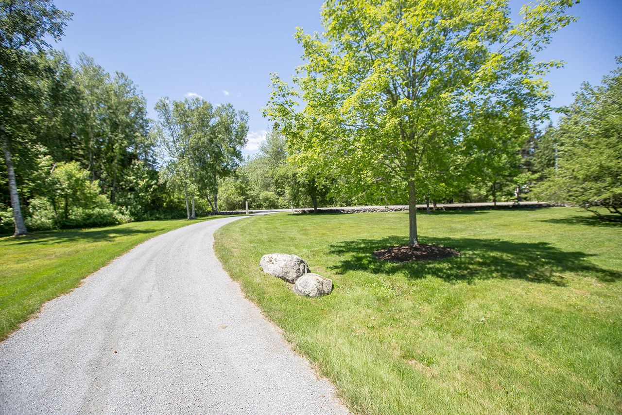Additional photo for property listing at Harriman Point 93 Harriman Point Road Brooklin, Maine,04616 Estados Unidos