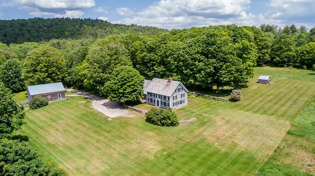 Additional photo for property listing at Hammond Hill Farm 42 Hammond Parsonsfield, Maine,04047 Estados Unidos