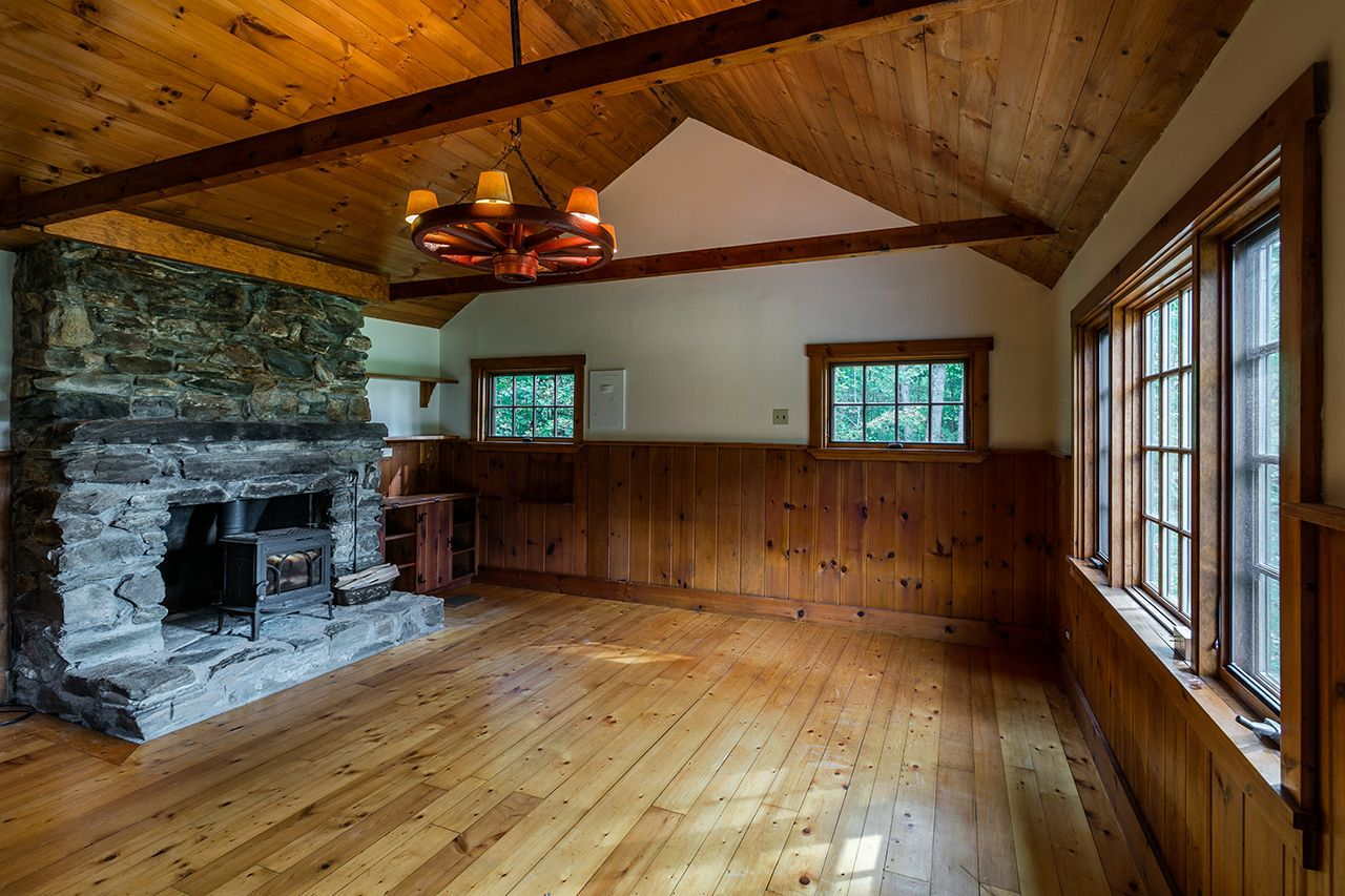 Additional photo for property listing at On The Rocks 1751 Middletown Rd Londonderry, Vermont,05148 United States