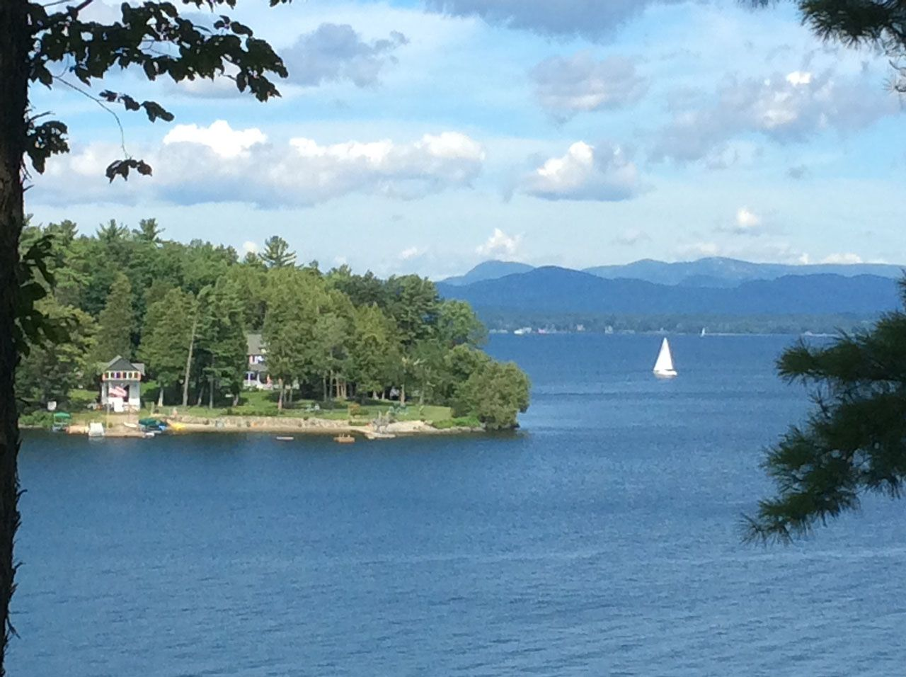 Additional photo for property listing at Deer Point Waterfront Lot 220 Deer Point Road Charlotte, Vermont,05445 États-Unis