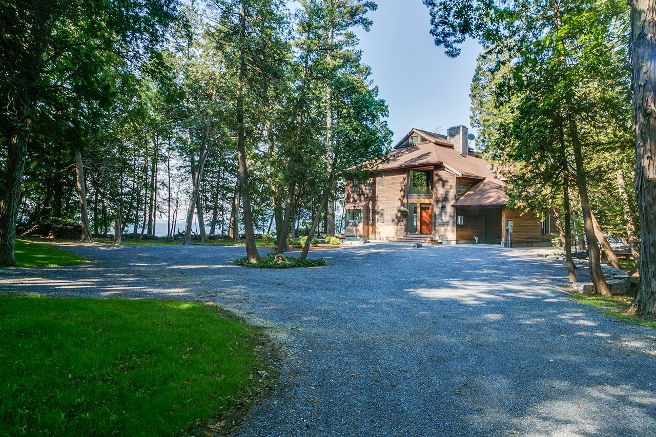 Additional photo for property listing at 324 Wings Point 324 Wings Point Charlotte, Vermont,05445 Hoa Kỳ