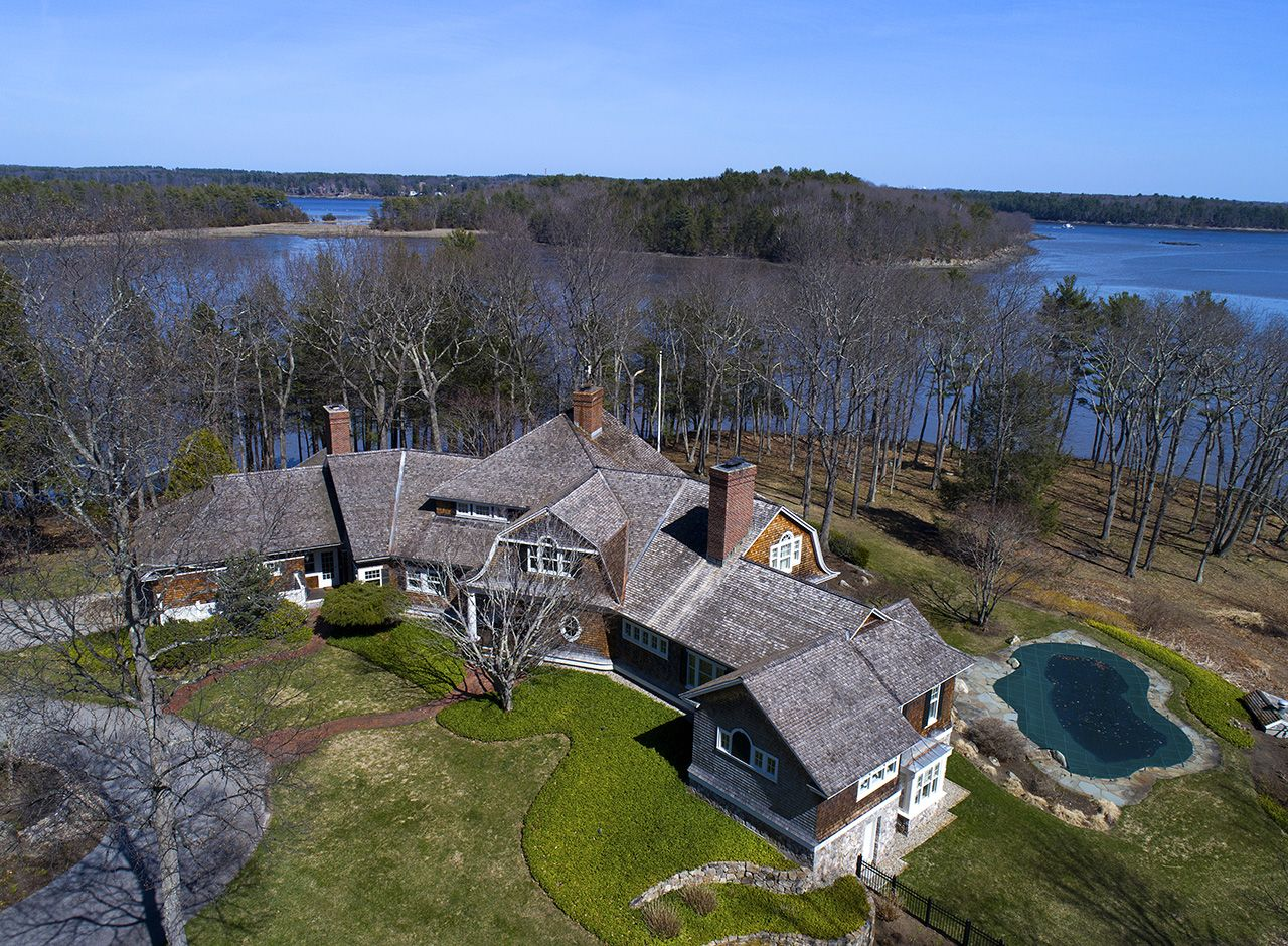 Maison unifamiliale pour l Vente à Private Seacoast Estate on Great Bay 395 Bay Rd Durham, New Hampshire,03824 États-Unis