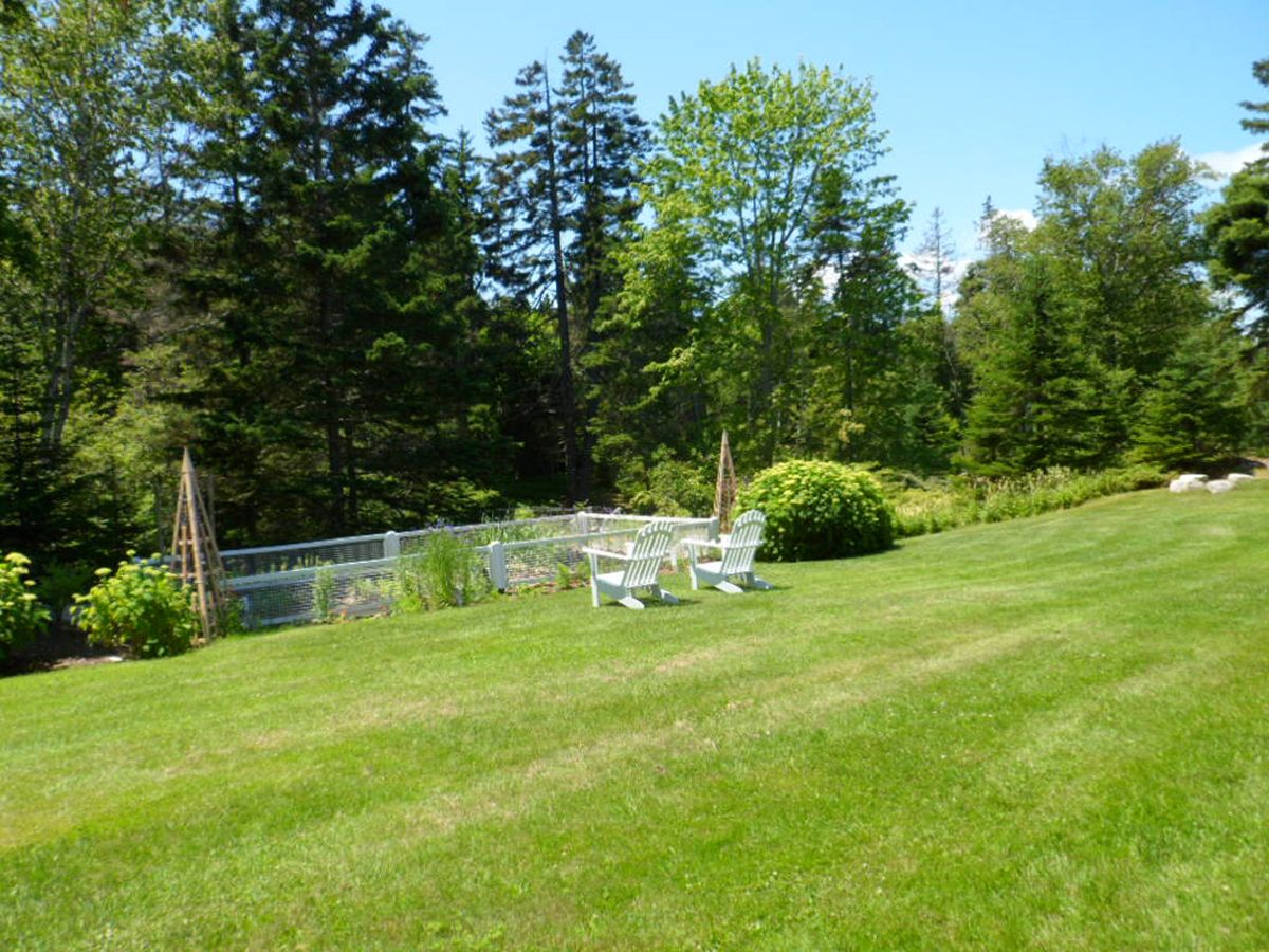 Additional photo for property listing at Stonecrop 1608 Haven Vinalhaven, Maine,04863 Vereinigte Staaten