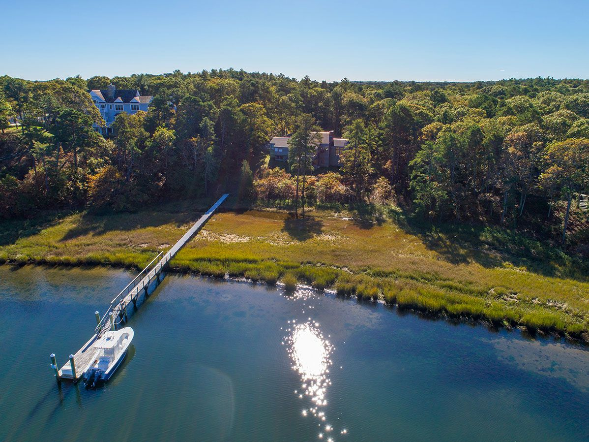 Additional photo for property listing at Baxters Neck Waterfront 240 Baxters Neck Road Marstons Mills, Massachusetts,02648 États-Unis