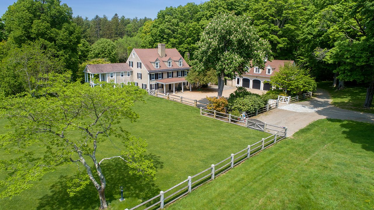 Villa per Vendita alle ore Woodlands 1028 Bay Road Hamilton, Massachusetts,01982 Stati Uniti