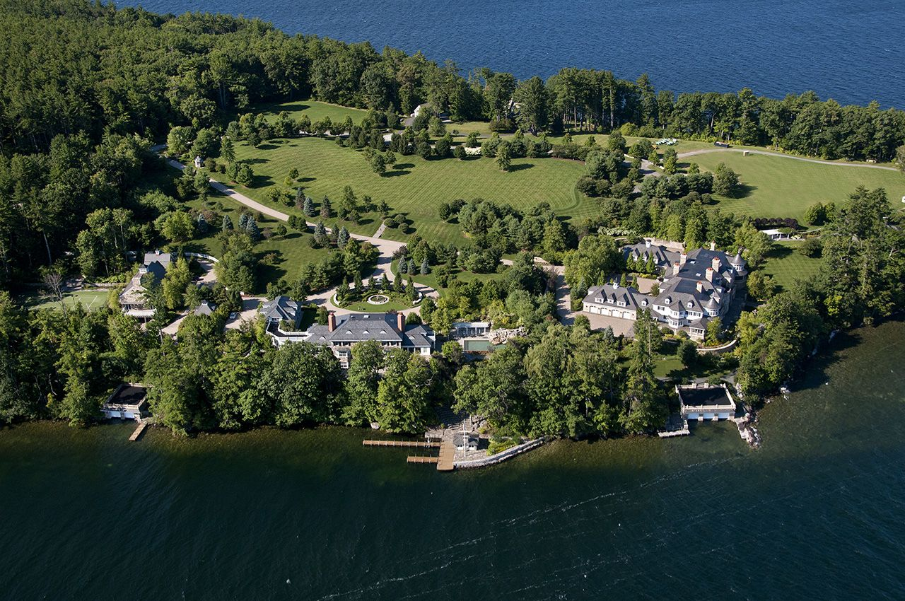 Villa per Vendita alle ore Longview on Lake Winnipesaukee 142 & 144 Hopewell Rd Alton, New Hampshire,03809 Stati Uniti