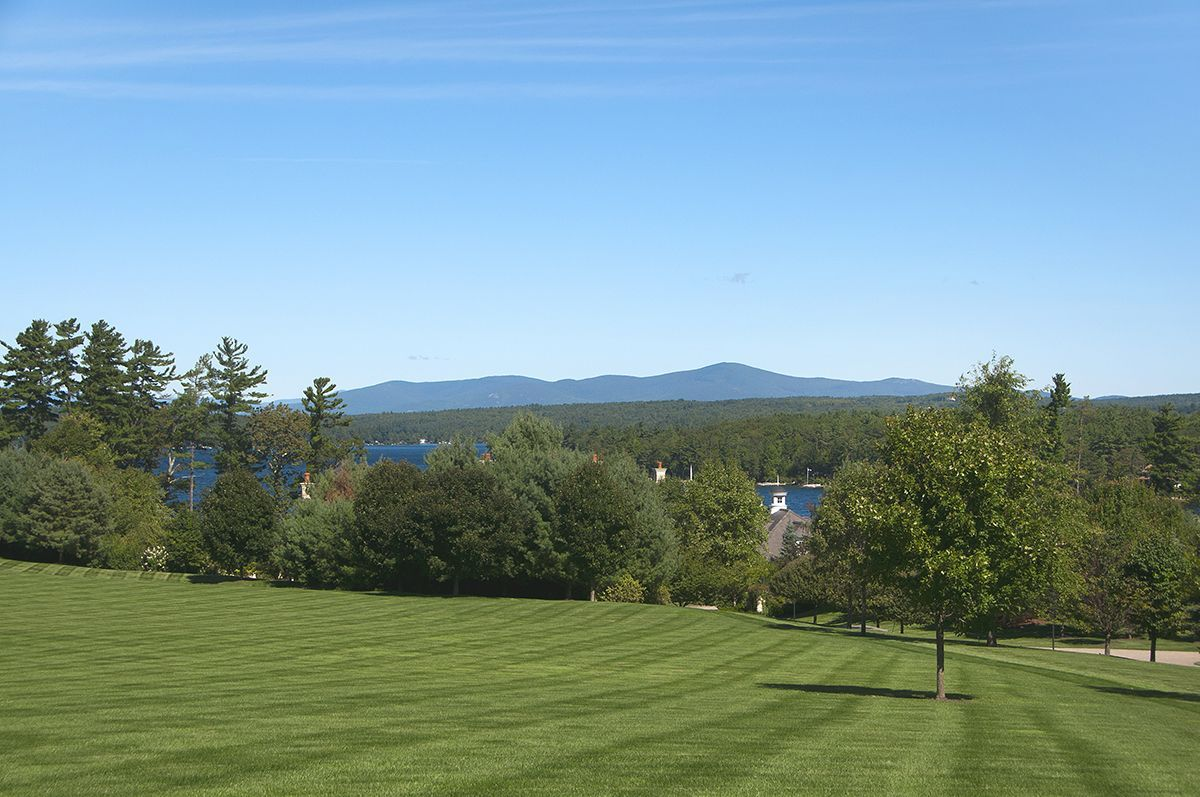 Additional photo for property listing at Longview on Lake Winnipesaukee 142 & 144 Hopewell Rd Alton, Нью-Гэмпшир,03809 Соединенные Штаты