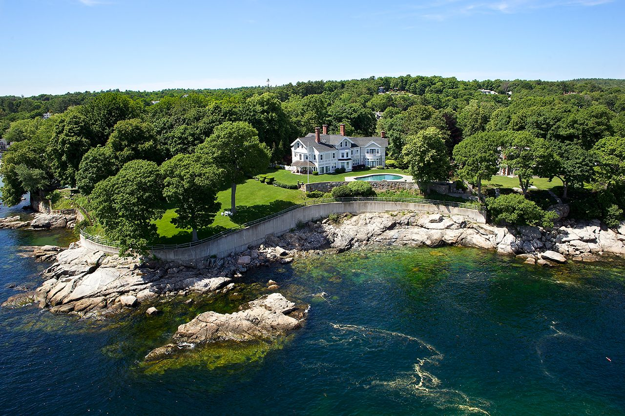 Casa Unifamiliar por un Venta en Beverly Farms Oceanfront Estate 155 West Street Beverly, Massachusetts,01915 Estados Unidos