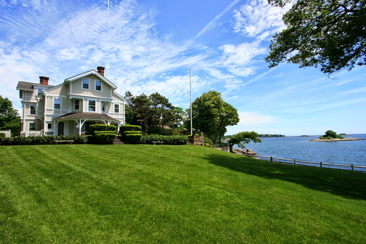 Additional photo for property listing at Beverly Farms Oceanfront Estate 155 West Street Beverly, Massachusetts,01915 États-Unis