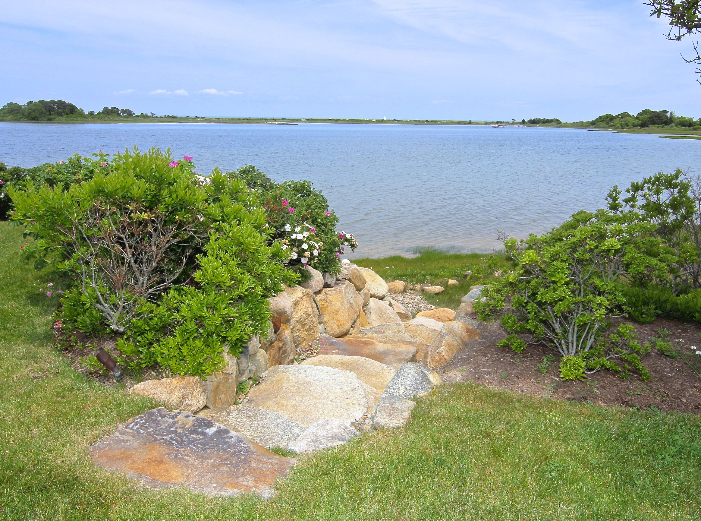 Additional photo for property listing at 96 Beach Road  Edgartown, Massachusetts,02539 Estados Unidos