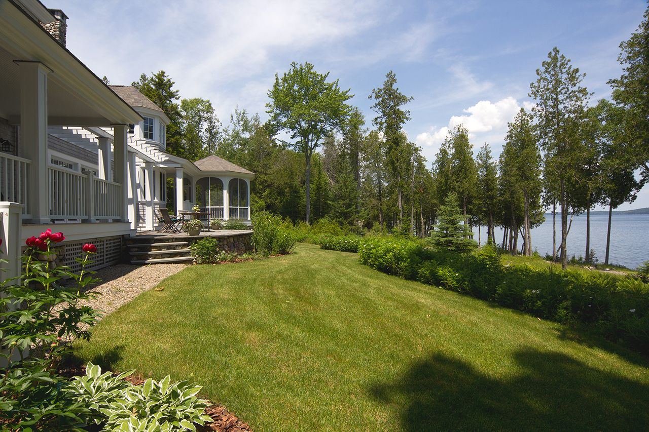Additional photo for property listing at Stone's Throw 32 Seaspray Lane Brooklin, Maine,04616 United States