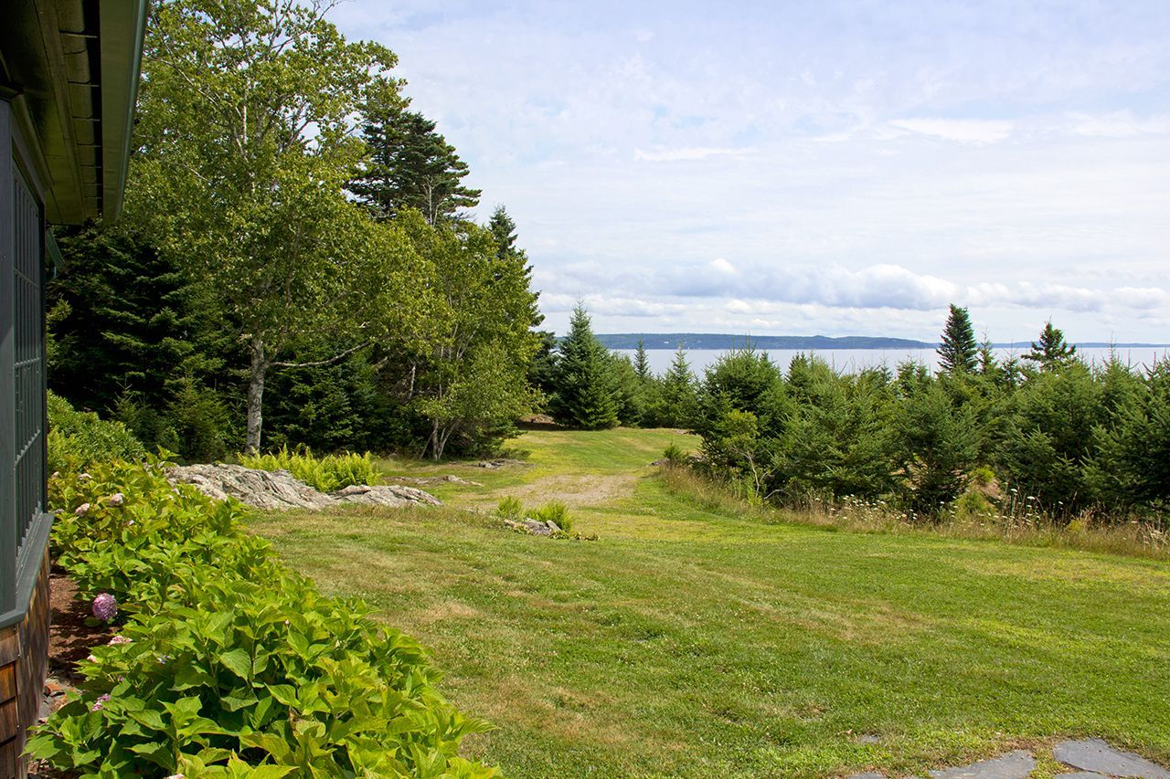 Additional photo for property listing at Northeast Point 505 Main Islesboro, Maine,04848 Stati Uniti