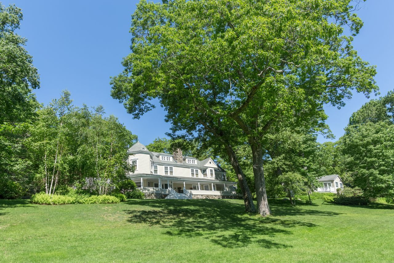 Single Family Home for Sale at Undercliff Cottage 221 Bay View Street Camden, Maine,04843 United States