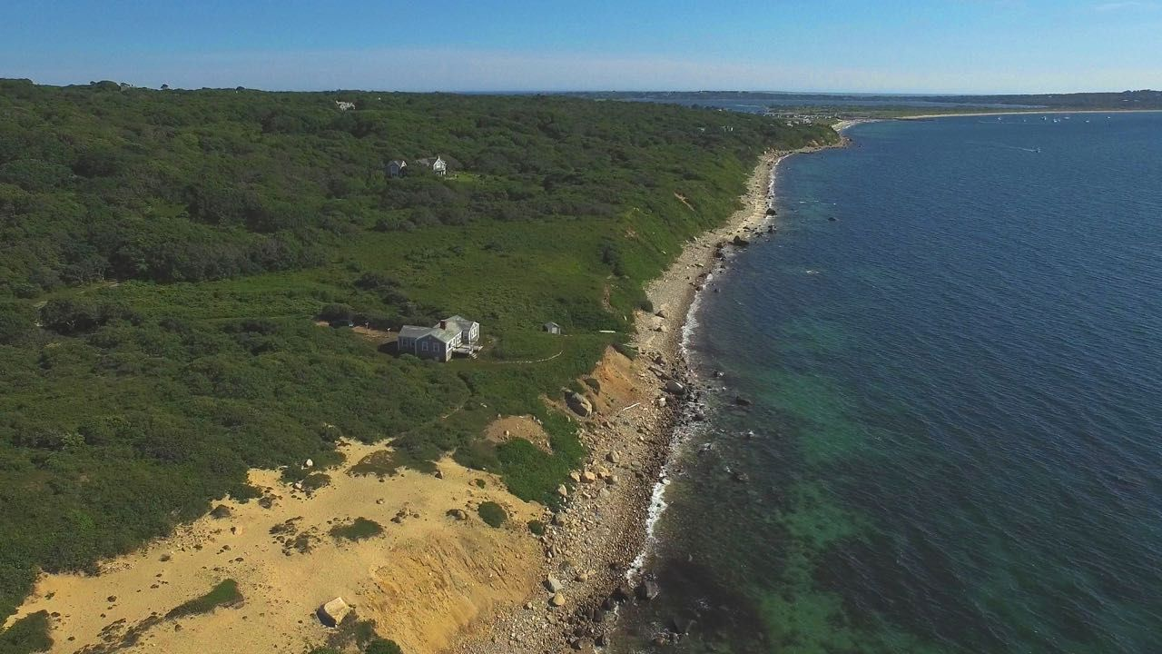 Additional photo for property listing at 4 Gosnold Way  Chilmark, Massachusetts,02535 United States