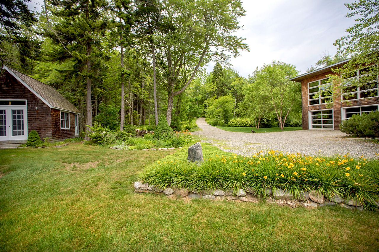 Additional photo for property listing at Fox Lane 56 Fox Lane Brooklin, Maine,04616 Stati Uniti