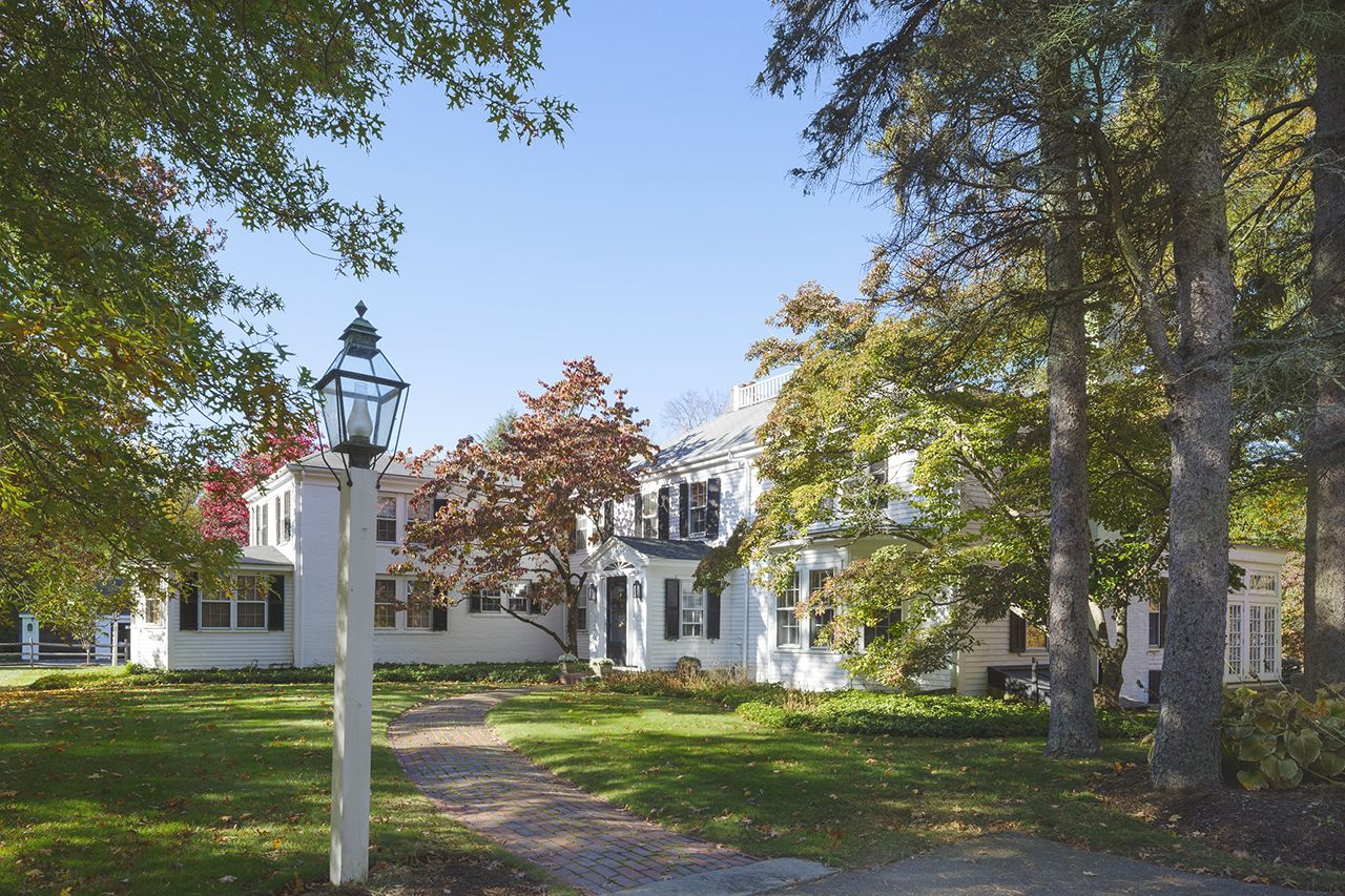 Additional photo for property listing at 38 Gardner Street  Hamilton, Massachusetts,01982 Estados Unidos