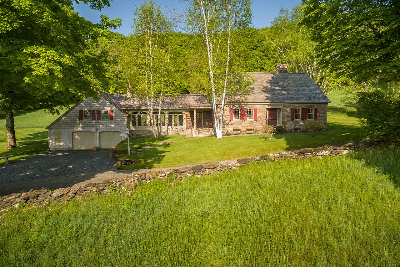 Vermont real estate and homes for sale christie 39 s for Vermont home builders