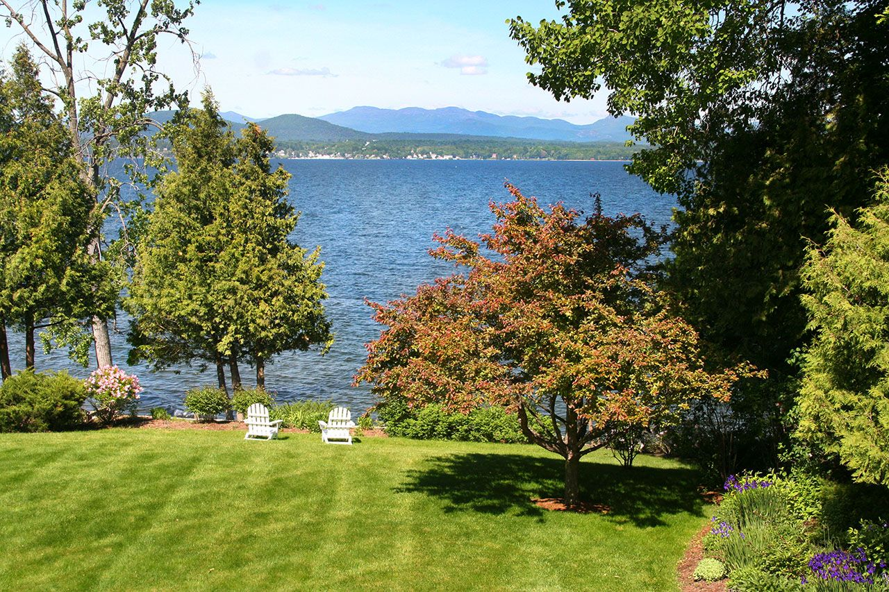 Additional photo for property listing at Wing's Bay 311 Whalley Road Charlotte, Vermont,05445 États-Unis