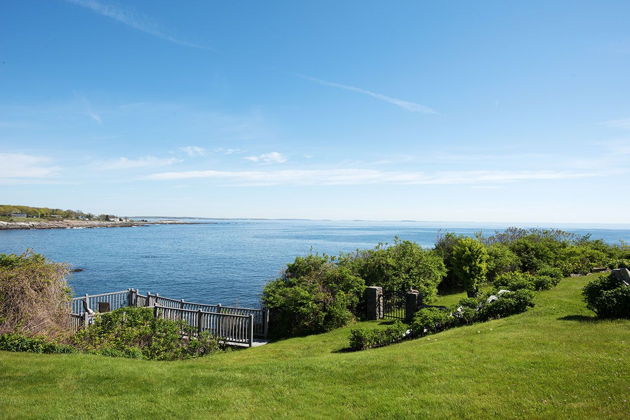 Single Family Home for Sale at Hunts Point 3 Hunts Point Road Cape Elizabeth, Maine,04107 United States