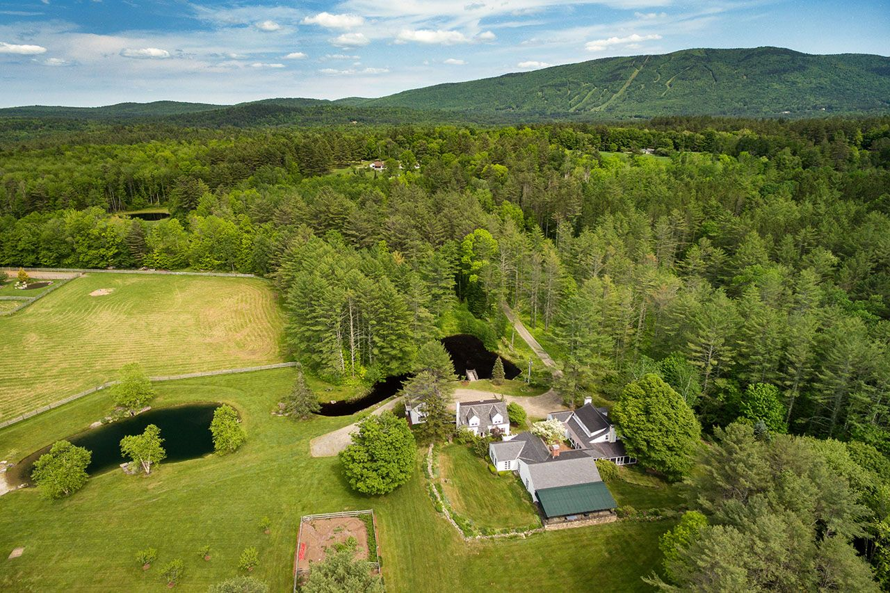 Single Family Home for Sale at Glengair 207 Brooks Lane Londonderry, Vermont,05148 United States