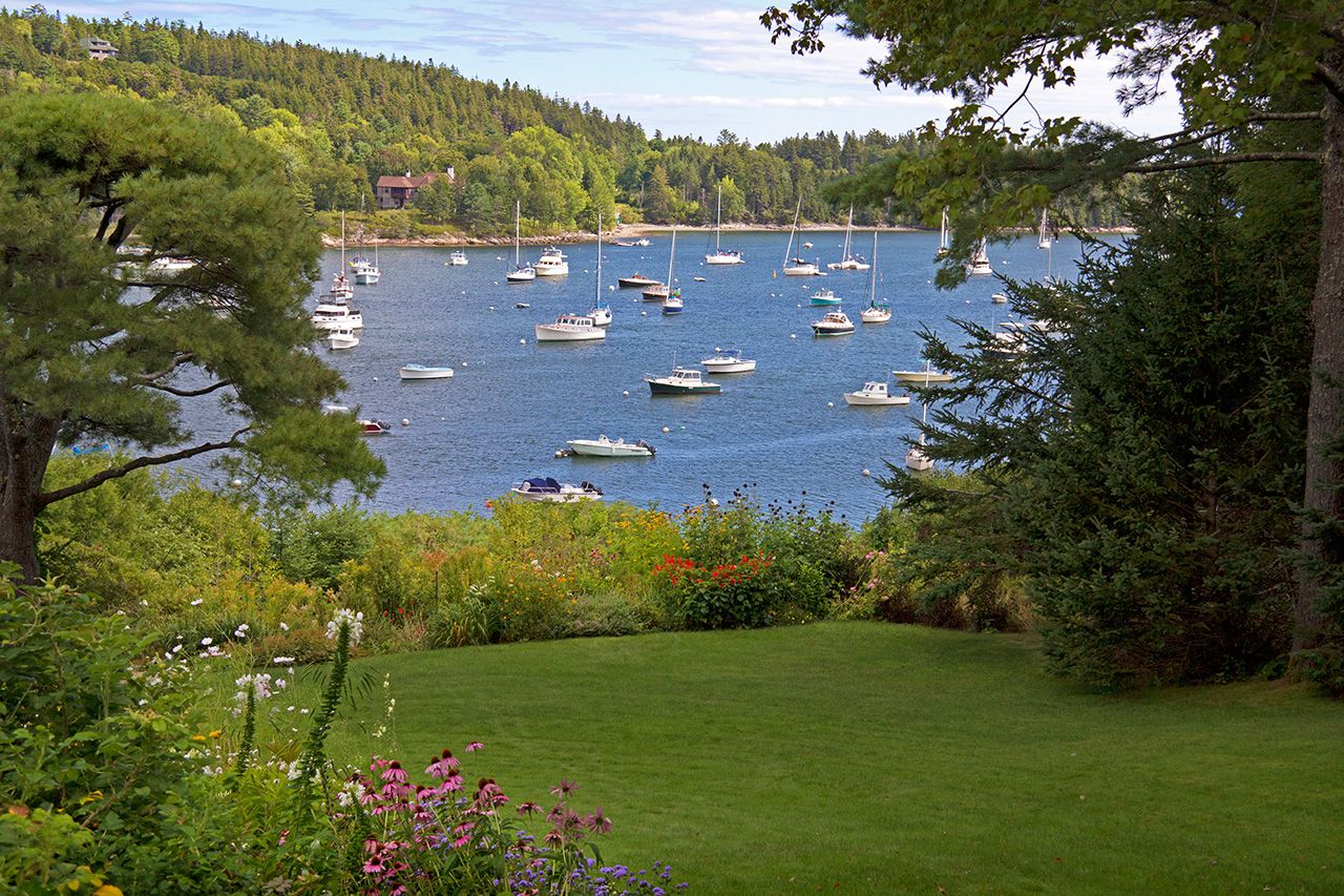 Additional photo for property listing at Journey's End 61 Harborside Road Northeast Harbor, Maine,04662 États-Unis