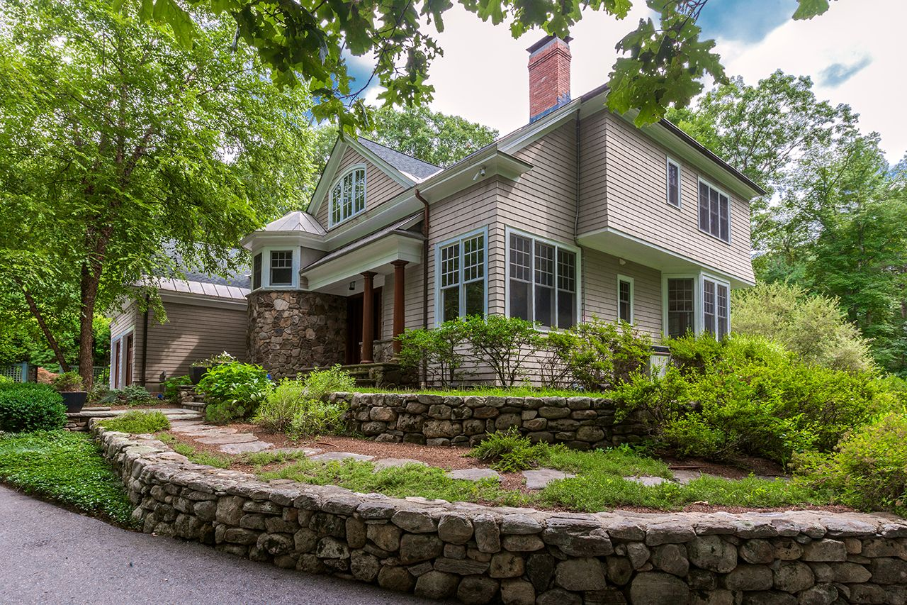 Single Family Home for Sale at 136 Weston Road Lincoln, Massachusetts,01773 United States