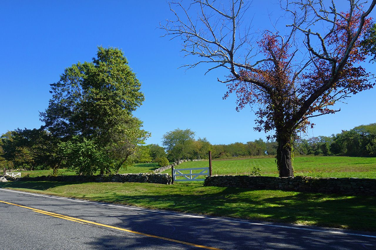 Additional photo for property listing at Fogland Farmland 4366 Main Road Tiverton, Rhode Island,02878 Vereinigte Staaten