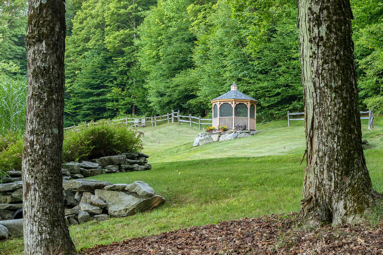 Additional photo for property listing at Turning Leaf 537 Mad Tom Notch Rd Peru, Vermont,05152 Estados Unidos