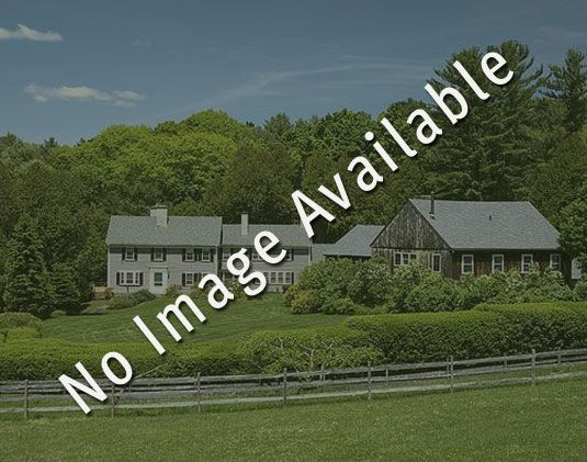 Additional photo for property listing at Turning Leaf 537 Mad Tom Notch Peru, Vermont,05152 États-Unis